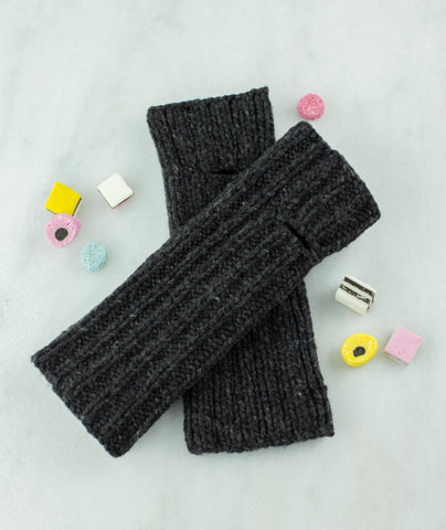 Reversible Knitting Mitts Using Brooklyn Tweed Quarry