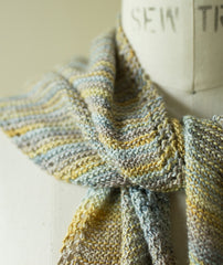 Simple Sideways Triangle Scarf - Mini Maiden Version