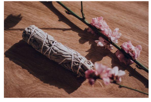 DREAM CATCHER CANDLES - FLORAL SAGE SMUDGE STICK