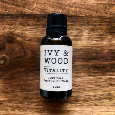 SPECIAL OFFER + Oil Burner! Pure Essential Oil Blend 'Vitality' - Ivy & Wood