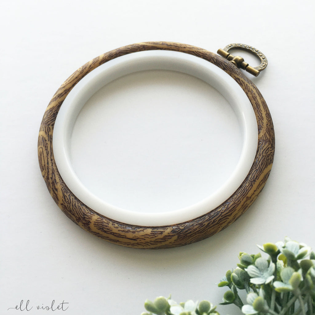 10cm / 3.9 Inch Faux Wood Plastic 'Flexi' Embroidery Hoop