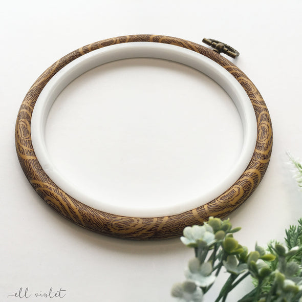 13.5cm / 5.3 Inch Faux Wood Plastic 'Flexi' Embroidery Hoop