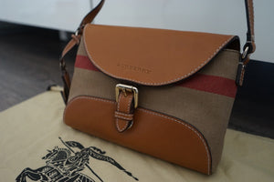 Authentic BURBERRY Henham Small Crossbody Bag 3908810
