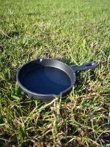 Round Flat Cast Iron pan - Small