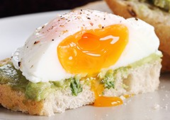poached-egg-on-avocado