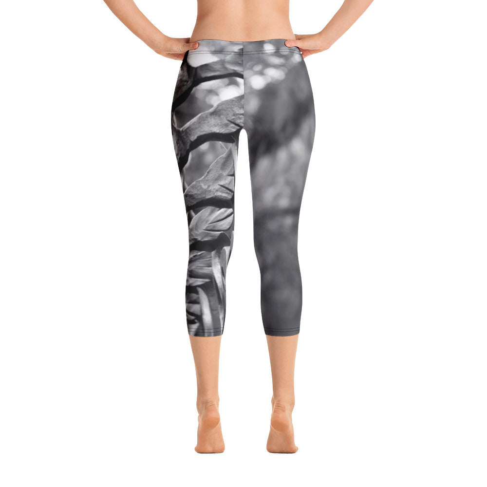 Capri Leggings - Black and White Abstract