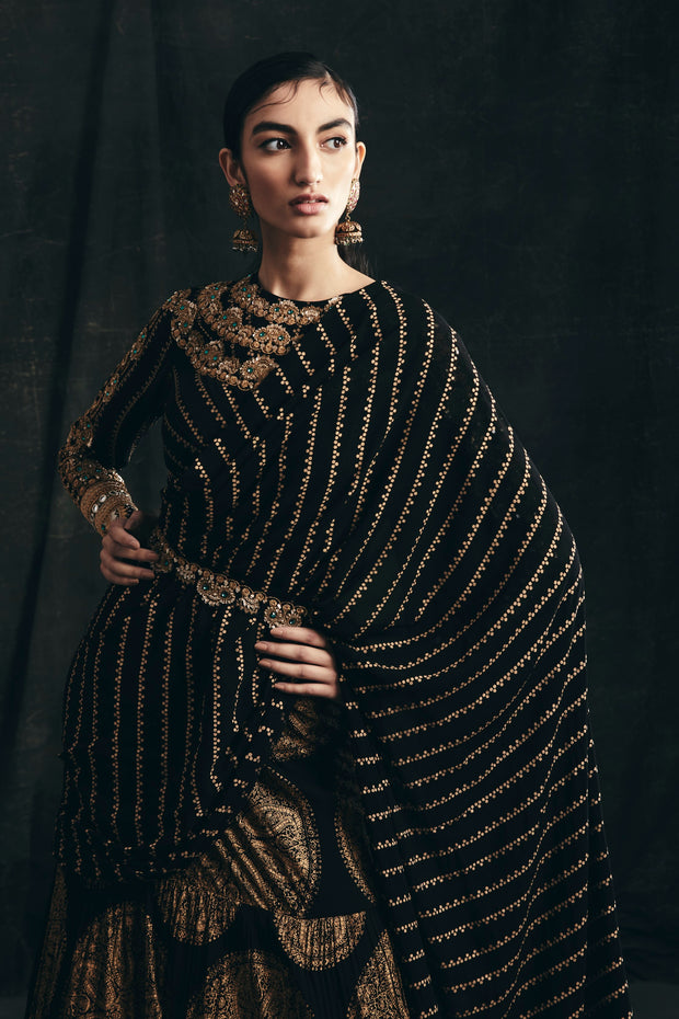 Black & Gold Ambi Circle Print Saree With Embroidered Nukta Print Blouse & Belt