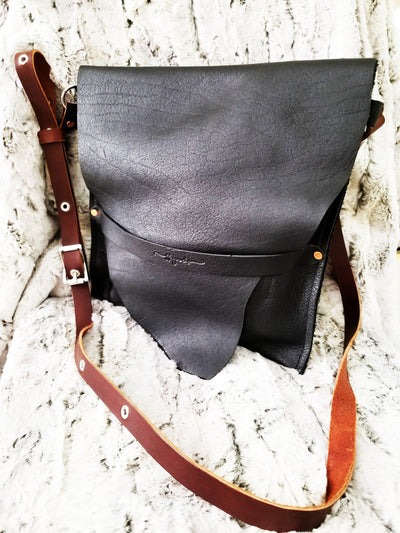 INDIE BAG IN BLACK
