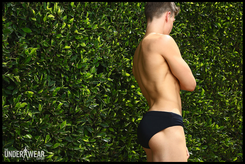 best-briefs-underwear-expert-parke-ronen-april-2016