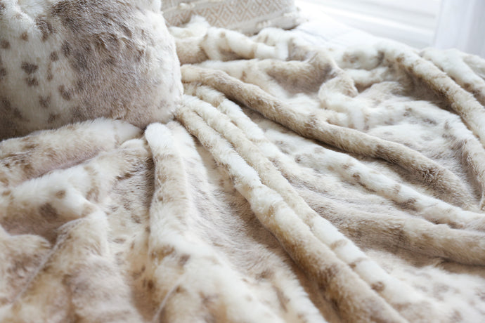 double sided, luxury, faux rabbit fur throw blanket and matching pillow set