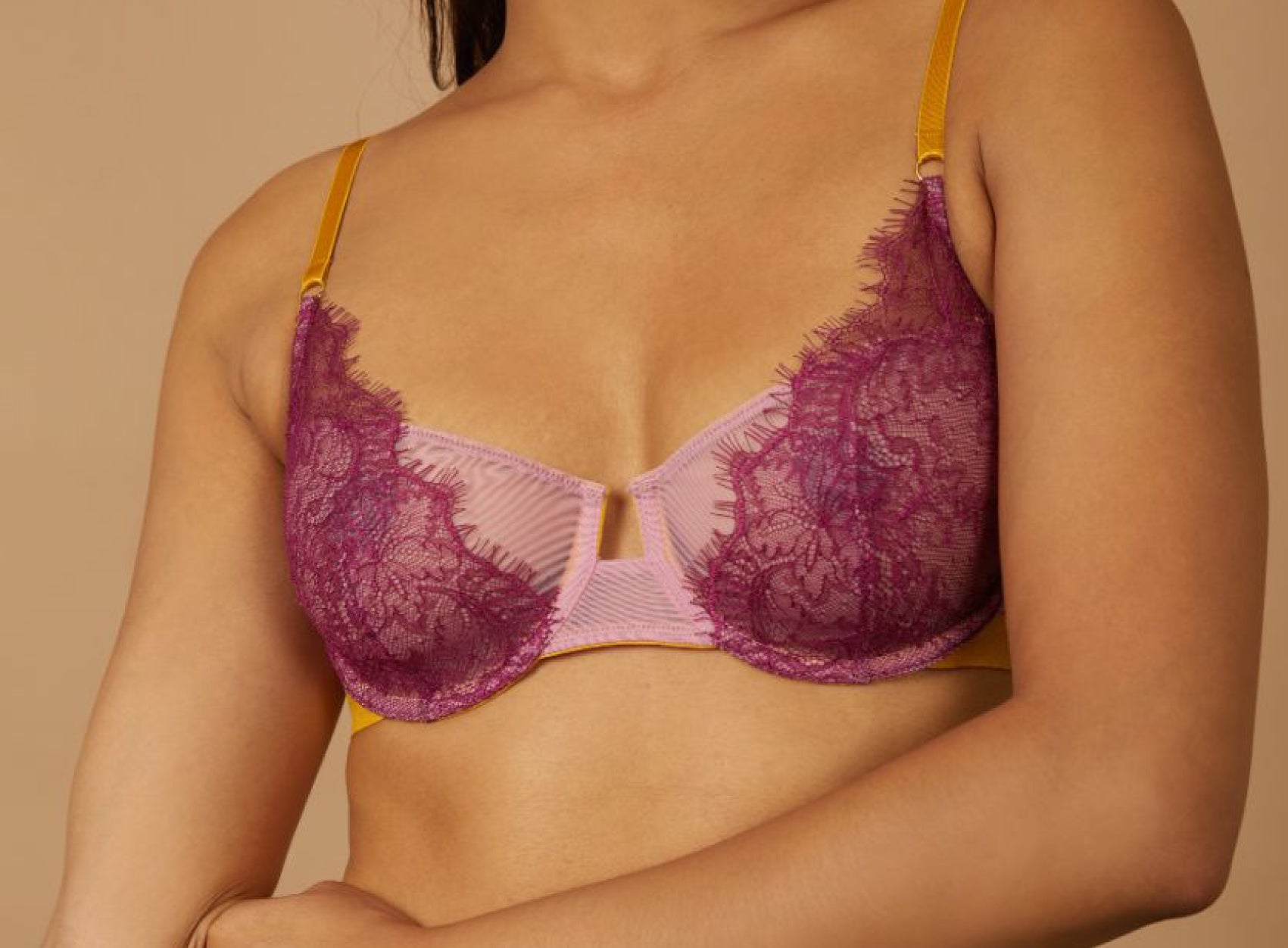 The delicate lace underwire bra. AW20 Autumn Winter 2020 Collection - Dora Larsen | Colourful Lingerie