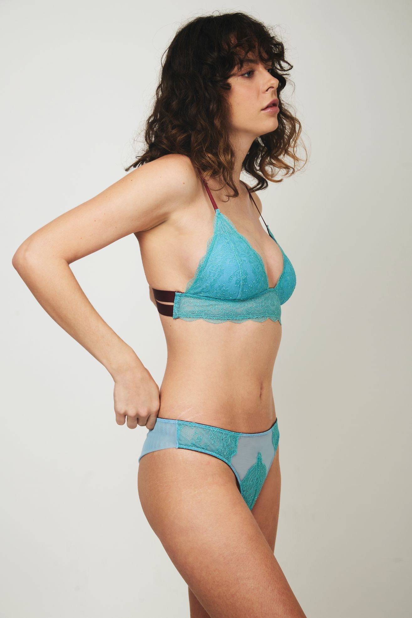 Ebba Lace Triangle Bra - Dora Larsen | Colourful Lingerie