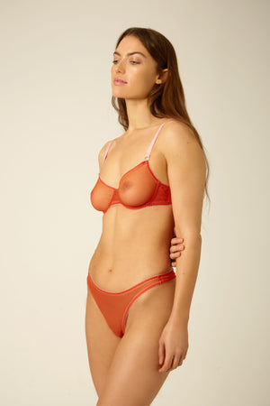 Hanna Thong - Dora Larsen | Colourful Lingerie‎