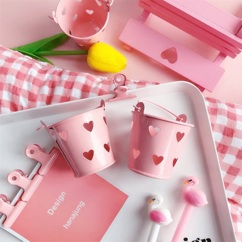 Mini pink desktop stationery
