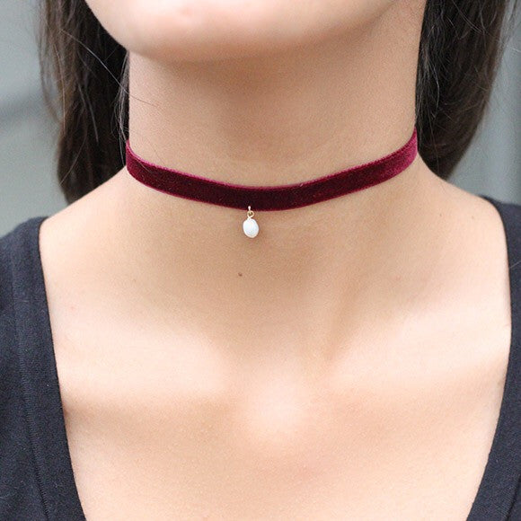 taudrey as if choker necklace burgundy velvet pearl styled