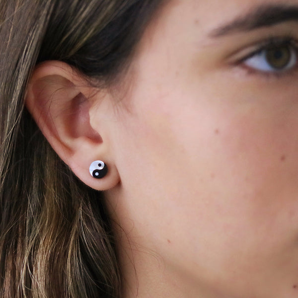 taudrey ying yang balance stud earrings