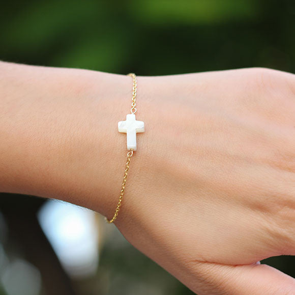 taudrey blessed bracelet gold pearl cross