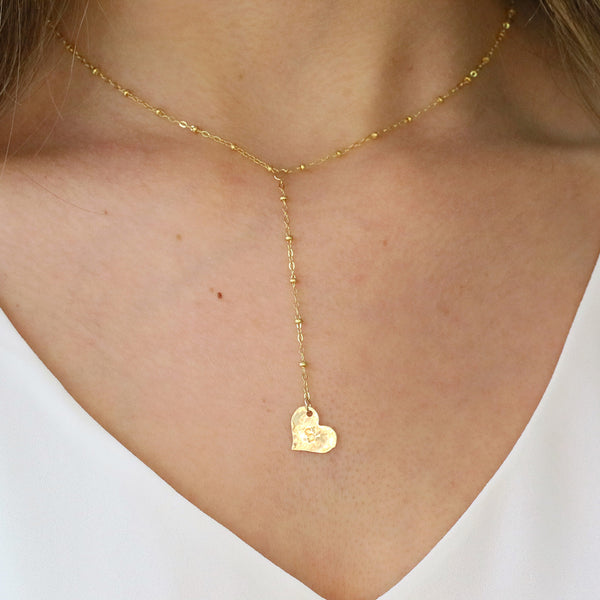 taudrey bottom of your heart lariat plunge necklace hammered personalized charm detail