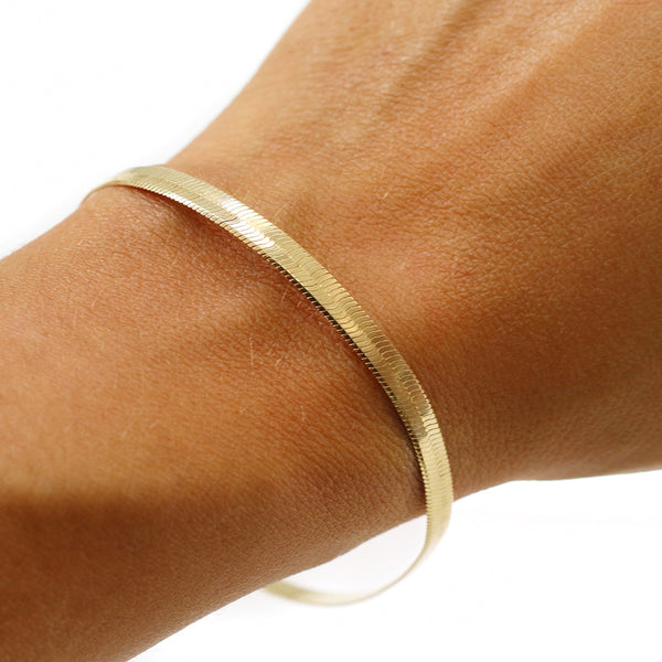 taudrey happiness herringbone gold bracelet