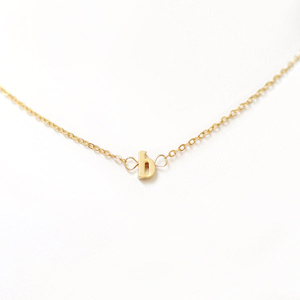 taudrey kids gold alphabet necklace gold letter detail
