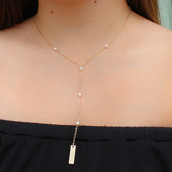 taudrey pearly girl lariat pearl detailed necklace with personalized plate