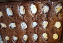 Load image into Gallery viewer, Creme Egg brownie