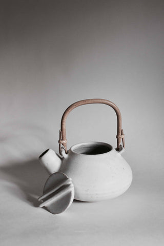 Stoney White Small Ceramic Tea Pot