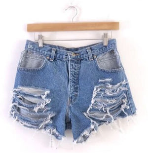 Distressed pockets cut out shorts LATASHANICOLE