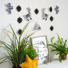 Llama_and_cactus_garland_is_a_great_decoration_for_a_nursery_and_kids_room