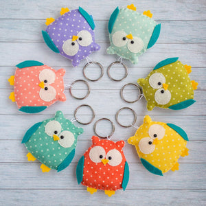 Owl_keychain_is_a_cute_gift_for_a_friend