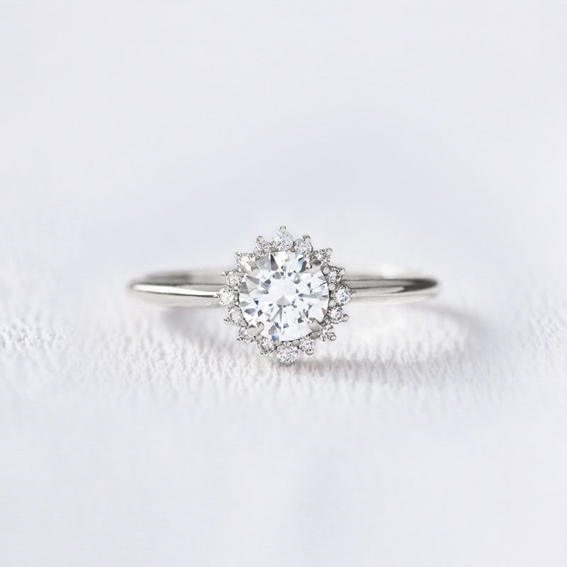 Bague de fiançailles marguerite en or et diamants | Deloison Paris