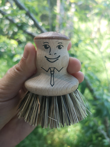 Vege/Pot Brush with a Face.