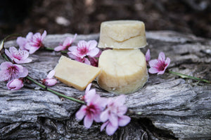 Super Moisturising Shampoo Bar (Contains Beeswax)
