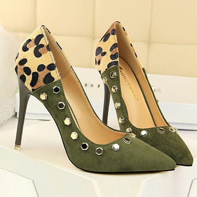 Sexy Elegant Slim Heels Rivet Shoes