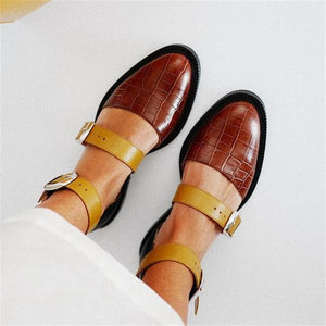 Women's Wild Buckle Pointed   Flats