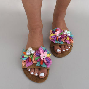 Fashion Contrasted Color Flower Pearl Design Flat Slippers