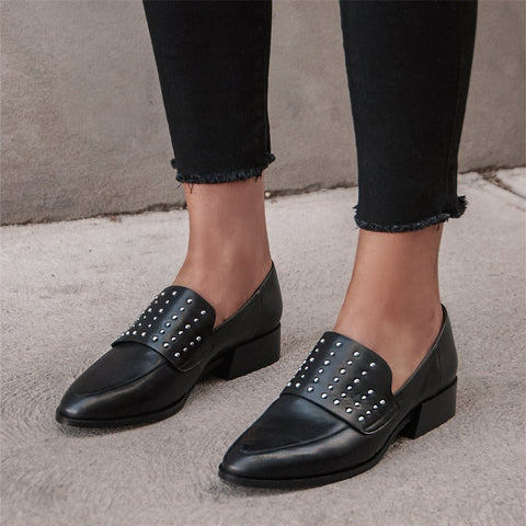 Women's simple rivet rivet   comfortable flat shoes
