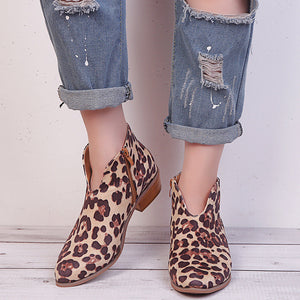Women's fashion wild leopard print solid color pointed boots