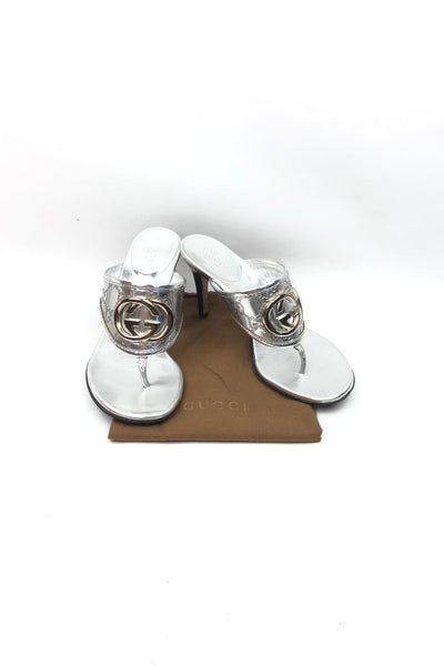 GUCCI Metallic Silver Leather Interlocking GG Thong Sandals SHW