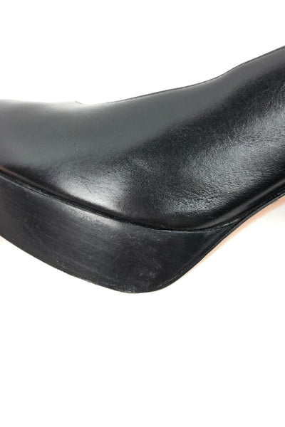 GIANVITO ROSSI Black Rounded Toe Leather Pumps