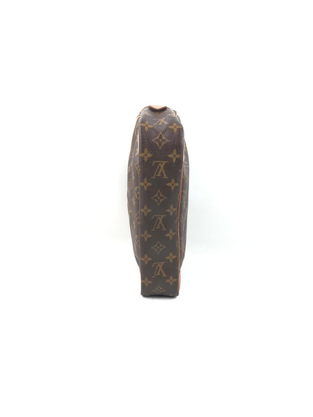 LOUIS VUITTON Monogram Canvas Compiegne 28 Pouch