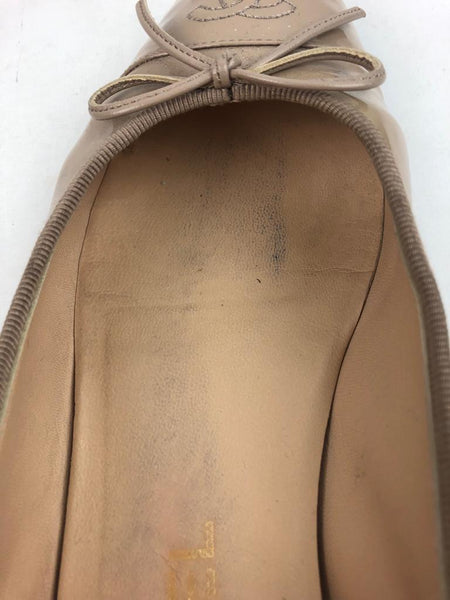 CHANEL Beige Patent Leather Ballerina Flats w/ Stitched CC Logo