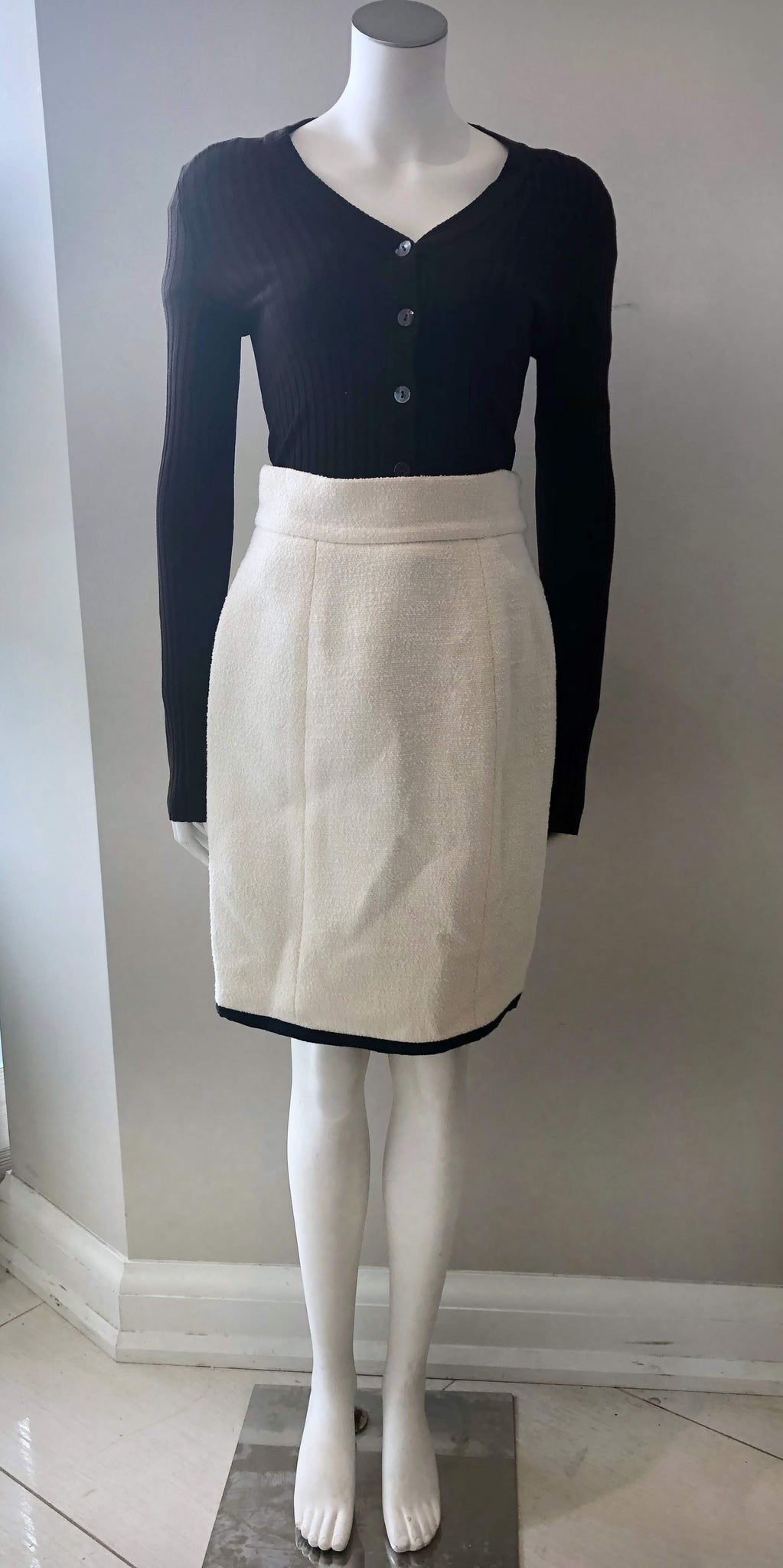 CHANEL White Wool/Nylon Blend Skirt