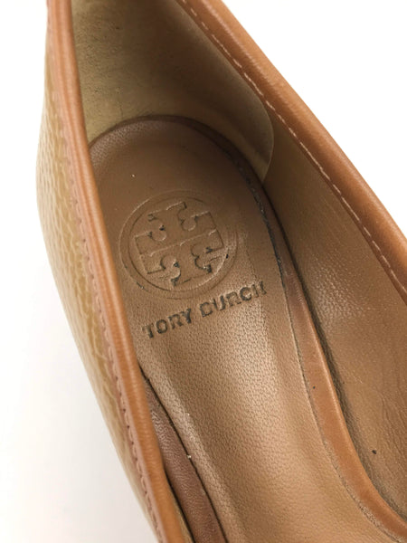 TORY BURCH Light Brown/Beige Patent Leather Low Heel w/Logo Detail