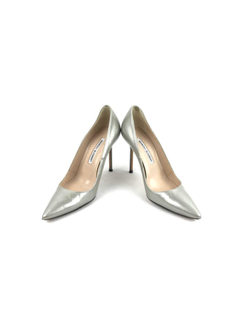MANOLO BLAHNIK Metallic Silver Patent Leather Pointed Toe Pumps