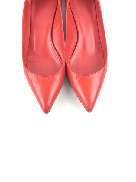 Gucci red leather pointed toe kitten pump