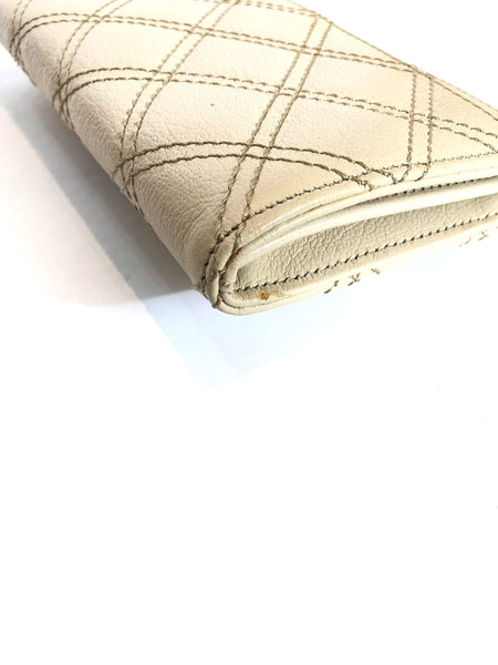 MARC JACOBS Cream/Beige Quilted Grained Leather Wallet GHW