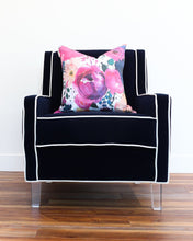 Load image into Gallery viewer, Queen Bee Chair