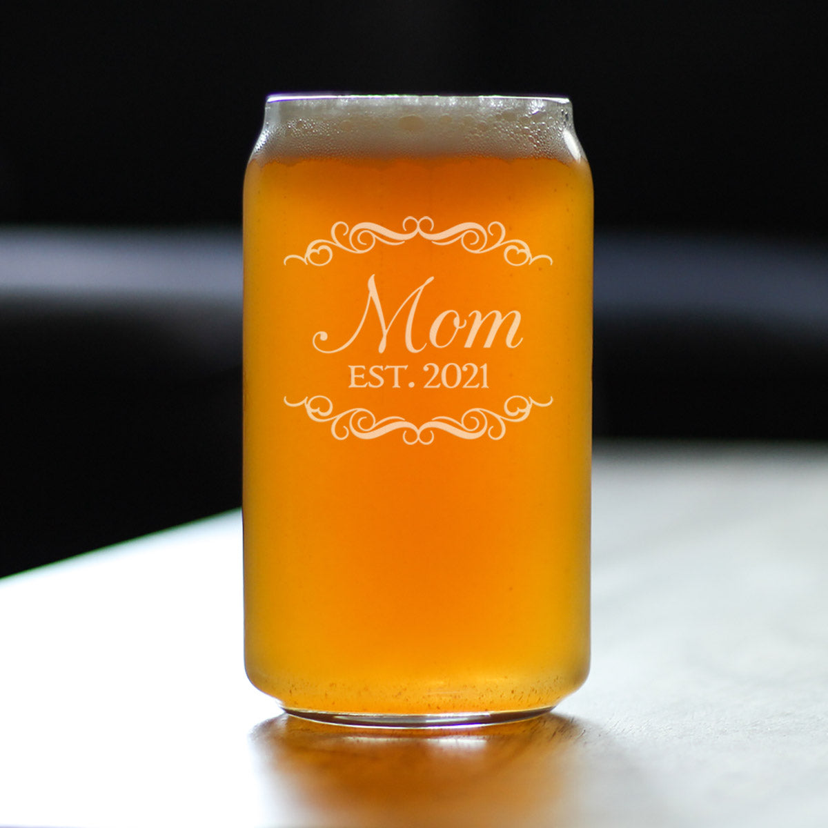 Mom Est. 2021 - 16 Ounce Beer Can Pint Glass