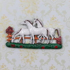 AAH507-eCraftIndia-Set-of-3-White-Horses-Decorative-Wall-Hanging_1